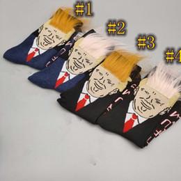 Corvo de cabelo on-line-Mulheres Homens Trump tripulação Socks cabelo amarelo engraçado dos desenhos animados meias esportivas meias Hip Hop Sock Streetwear com o dom pente ZZA1176