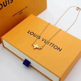 ornamentos de paris Desconto A19ss Paris Moda Designer De Luxo V pingente de forma com diamantes mulheres camisola colar Estilos presente da jóia Com caixa QUENTE ornamentos