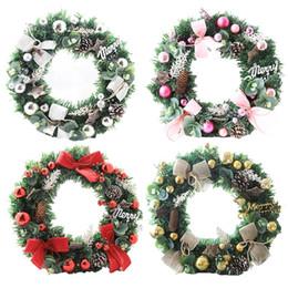 2020 grinaldas de ação de graças Grinalda de suspensão Decoração de Natal parede Pine Cone Wreath Porta Realistic Janela de suspensão pendente para Halloween Thanksgiving Day T191031 grinaldas de ação de graças barato