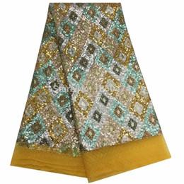 NUOVO di alta qualità 2019 tulle multicolore paillettes francese nigeriano tessuti di pizzo pesante ricamato guipure tessuto africano del merletto ydf83 da tessuto vestito da polka dot fornitori