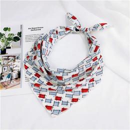 Piccola sciarpa a triangolo online-33 * 85cm Sciarpa vintage da donna coloratissimo piccolo fazzoletto da collo stampato floreale multifunzionale elegante con sciarpe a triangolo