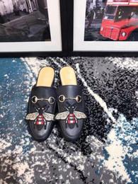 metallkette für schuhe Rabatt Marke Hausschuhe Frauen aus echtem Leder Pantoletten flache Pantoletten Schuhe Metallkette Freizeitschuhe Müßiggänger Mode Outdoor Hausschuhe Damen Sommer