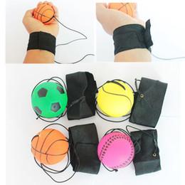 2019 brinquedos que saltam bolas 63mm Jogando Bounce Borracha Wrist Band Ball Engraçado Elastic Reação Formação Bolas Antistress Brinquedos Brinquedo Do Animal de Estimação Interior Ao Ar Livre Jogo 2019 brinquedos que saltam bolas barato