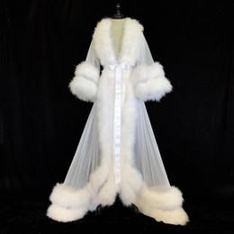 2019 weißes pelzkleid Weiß Double Deluxe Frauen Robe Pelz Nightgown Bademantel Nachtwäsche Braut Robe Marabou / Charmeuse Morgenmantel-Party-Geschenke Brautjungfernkleid rabatt weißes pelzkleid