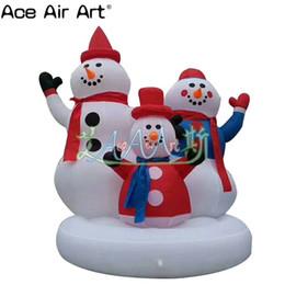 2019 schneemann aufblasbar Weihnachtsaufblasbare Schneemanngruppendekorationen, glückliche aufblasbare Schneemannfamilie für Weihnachten rabatt schneemann aufblasbar