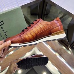 Heißer Sale 2019 Luxus Desinger Männer Freizeitschuhe Oxford Kleid Schuhe für Männer Plateauschuhe Leder Lace Up Hochzeit Täglich Sneaker39 44