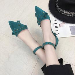 2020 correa del tobillo tacones cerrados del dedo del pie Mujer sandalias de tacón alto con cierre de tiras mujer de los zapatos punta estrecha gamuza sintética cerrado Toe Designer Shoes Zapatos de mujer 7112G rebajas correa del tobillo tacones cerrados del dedo del pie