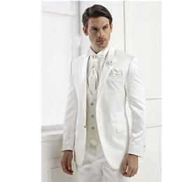 Pantaloni lucidi bianchi online-Smoking dello sposo eccellente Shiny White Smoking smoking da uomo Notch Giacca da uomo bavero risvolto Vestito da ballo / vestito popolare (Jacket + Pants + Vest + Tie) 183