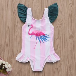 2019 kinder badeanzüge INS Baby Mädchen Flamingo Streifen drucken Bademode 2019 Sommer Mode Bikini Kids Fliegenhülse Badeanzug C6021 rabatt kinder badeanzüge