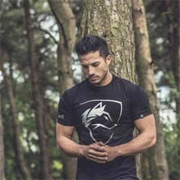 2019 Estate Mens T-Shirt Camouflage Lettera Stampa Manica Corta Palestre Fitness Bodybuilding T-Shirt Uomo Allenamento Slim Cotone Tee Tops da