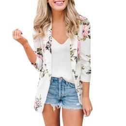 2019 chaquetas de flores para mujer 2019 Otoño Para Mujer Chaquetas Flor Impreso de Manga Larga Blazer Coat Estilo Casual Moda Slim Blanco Ropa de Oficina Venta Caliente femenina rebajas chaquetas de flores para mujer