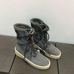 Sıcak Satış Tasarımcı Kadın Cheasle Boots Kanye West Askeri Krep Çizmeler Süet Deri Owen Sezon 2 Ayakkabı Sürme Çizmeler erkekler Ücretsiz EMS veya DHL supplier shoes man ems nereden ayakkabılar adam ems tedarikçiler