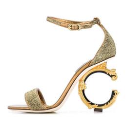 scarpe da sera in argento Sconti hot fashion designer europeo tacchi alti per le scarpe da donna oro nero argento lucido scarpe da sera partito rosso tacchi alti scarpe da sposa
