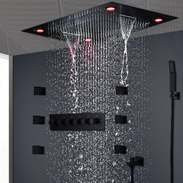 Chovendo chuveiros on-line-Modern Matt Black Shower Set Concealed LED Ceiling Light Massage Large Rain Waterfall Shower Panel Head Thermostatic High Flow Shower