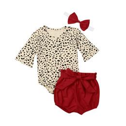 Menina de shorts de leopardo on-line-3 pcs Set Bebê Meninas Roupas de Algodão Verão Flare Manga Comprida Leopardo Macacão de Bebê + Shorts Calças + Headband Roupas Outfits