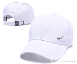 Novità Cappelli da baseball per uomo e donna Snapback Baseball cap Fashion Sport football designer da le coperture all'ingrosso del cappello della lettera fornitori