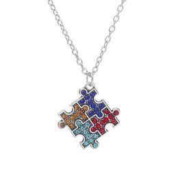 puzzlespielstück-schmucksachecharme Rabatt Autismus-Bewusstseins-Puzzle-Halsketten-Mehrfarbenkristallpuzzlespiel-Stück-hängende Halsketten-Schmucksachen