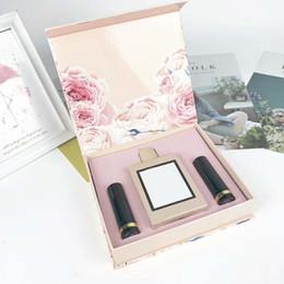 Canada 19SS nouvelle mode animé rose parfum rouge à lèvres parfum ensemble de 3 ensembles de boîte-cadeau, 1 bouteille de parfum 100 ml2 rouge à lèvres livraison gratuite Offre