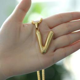 Jóias letras v encantos on-line-Charms iniciais de moda pingente de colar cartas de metal para jóia personalizada Cut únicas letras V colares Corrente de Ouro