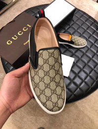 Scarpe alla moda a piedi gli uomini online-Scarpe piatte stampate in pelle con strato superiore, scarpe casual da uomo, pelle di alta qualità stampata a mano, scarpe da sposa alla moda 2D2A3
