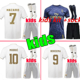 Meias garoto de futebol on-line-2019 Real Madrid Ea Sports Crianças Kit Camisas de Futebol 2018/19 Casa Branca Fora 3RD 4TH Menino Criança Juventude Modric ISCO BALE KROOS Camisas de Futebol