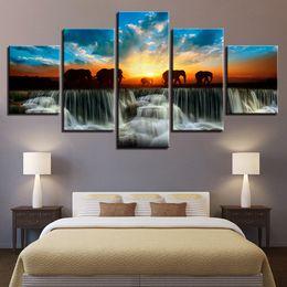 Arte do painel do elefante on-line-Quadro Home Decor Modern HD Pinturas impressas 5 Painel Elephant animal Sunset View Wall Art Canvas Sala Pictures Tableau