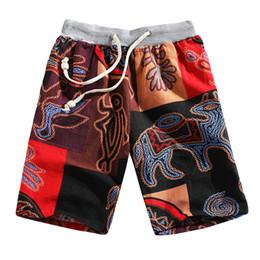 Más el tamaño de la moda étnica online-2019 Nuevo Verano Pantalones de Playa de Los Hombres de Cintura Elástica Moda Estilo Étnico Impreso Loose Linen Beach Shorts Pantalones más el tamaño L415