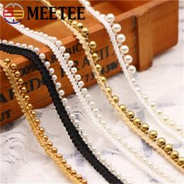 Adornos para coser perlas online-Meetee 1 cm perla dorada con cuentas de encaje bordado cinta de tela hecha a mano DIY disfraz vestido suministros de costura artesanal AP346