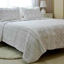 Baumwoll-Steppdecken-Bettdecke, handgefertigt von amerikanischer Bettdecke Dreiteilige Bettwäsche Außenhandel, original 3-teilig, weiße Stickerei von Fabrikanten