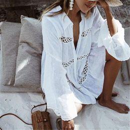 2019 сексуальные пальто Летняя мода сексуальная женская пляжная одежда с длинным рукавом отложным воротником белые цветочные свободные прикрывать носить купальники пальто женские скидка сексуальные пальто