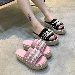 cuneo perlaceo nero Sconti Infradito con plateau di perle nere rosa Novità Pantofole con coppe estive strass tessute estate 2019