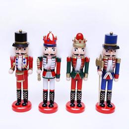 Decoração de arte em madeira on-line-Originalidade Colorido Desenho Soldados De Madeira Fantoche Brinquedos Desk Office Quarto Decor Ornamento Do Nutcracker Boneca Artes E Ofícios 11hx gg