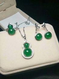 2019 smaragd jade ringe Emerald Gourd Jade Pulp Silber Set Ohrringe Ring Halskette Eine Reihe von Jade Schmuck günstig smaragd jade ringe