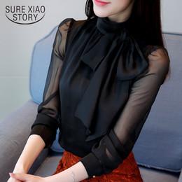 Blusa formal mujer verano online-Nueva moda de verano de la túnica de las mujeres de la blusa de la manga larga corbata de lazo de gasa cuello alto formales camisas de las mujeres negro blanco 0599 30