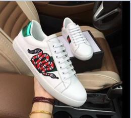 nuove api donne Ace caldo ricamo piccole scarpe bianche scarpe casual moda piatto Autunno sneakers # 56 per gli uomini donne zapatos SlipperGUCCI da