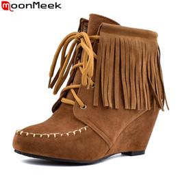 franja de salto alto Desconto MoonMeek plus size 34-43 botas de tornozelo moda rodada toe franja cunhas de salto alto outono botas de inverno lace up senhoras prom