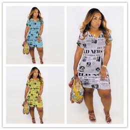 2019 las mujeres usan vestido suelto Vestido de las muchachas del verano Vestidos impresos del periódico Impresión de la letra Vestidos flojos ocasionales Bolsillos con cuello en v de la manga Mujeres de la calle usan S-3XL C71804 rebajas las mujeres usan vestido suelto