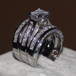 conjuntos de boda de oro blanco cz Rebajas 2018 Mujeres 3-en-1 Anillo de anillo de bodas de compromiso Juego Princesa corte 10ct Anillo de diamante Cz 14KT Anillo de dedo de fiesta de oro blanco lleno