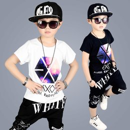 ropa de hip hop para niños al por mayor Rebajas 2018 Summer Boys Letter Dancing Clothes 2 piezas de ropa para niños Hip Hop Clothing Set Wholesale Chándal de algodón de manga corta para niños