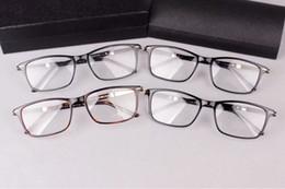 35b8059f9 Luxo-Recentes marca P8125 super-óculos de luz do templo norble designer A +  pure-prancha conjunto completo-prescrição óculos conjunto completo OEM preço  de ...
