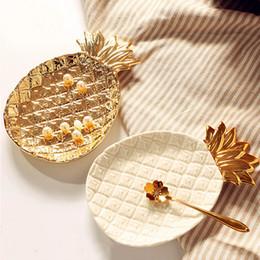 trockenfruchtdekoration Rabatt Kreative Gold Ananas Schmuck Palette Keramik Ablage Goldene Ananas Palette Trockenobst Platte Dekoration Platte