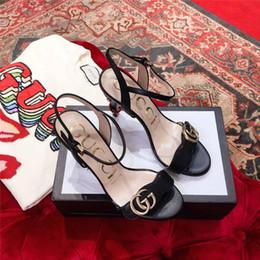Nueva primavera de 2019, sandalias de mujer, tacones de mujer de textura metálica, estilo de calle, diario y zapatos de estilo de vestir. desde fabricantes