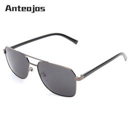 839c31a7b4 ANTEOJOS Classic Men´s Sunglasses Italian Design Men doble puente  polarizado UV400 gafas de sol de protección Oculo De Sol Masculino