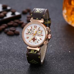 2019 ich beobachte 2019 die Quarz-Uhrfrauen der Qualitäts L v Marken-Art- und Weiseluxusfrauen beiläufige Art- und Weisequarzuhr geben Uhren frei Freies Shipping7 günstig ich beobachte