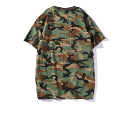 Camiseta para hombre 2019 Verano Nueva Diseñador de Ropa de Marca Moda Camuflaje Patrón de Manga Corta Estilo de la Calle de Moda para Hombre Desgaste Transpirable desde fabricantes