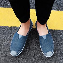 Eleganti scarpe di tela online-2019 Nuove scarpe da uomo autunnali Eleganti scarpe da uomo in tela solida da esterno traspiranti Scarpe casual Scarpe da ginnastica piatte alla moda Calzado Hombre