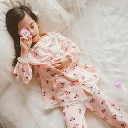 81ea2115442df Девочки 100% хлопок цветок печати пижамы 2019 весна осень новый кружева  лоскутное с длинным рукавом домашняя одежда для детей-подростков
