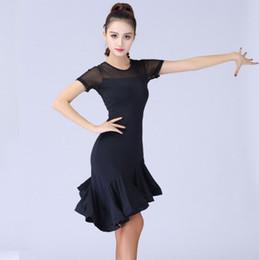 costume latino del merletto nero Sconti Nero Latin Dance di nuovo modo 2019 manicotti brevi insieme Costume Danza Donne Salsa Samba delle donne del merletto Vestiti latini