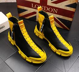 Coreano novo tornozelo botas on-line-NOVO Martin botas homens quentes botas de couro homens moda alto-top sapatos versão coreana da juventude tendência casuais sapatos ankle boots cowboy V42