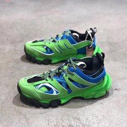 2019 pattini di strada di modo degli uomini di estate Scarpe da trekking autunno uomini respirabili uomo versione coreana del Running Shoes Estate Travel Trend Deodorante anti-skid Street Fashion sconti pattini di strada di modo degli uomini di estate